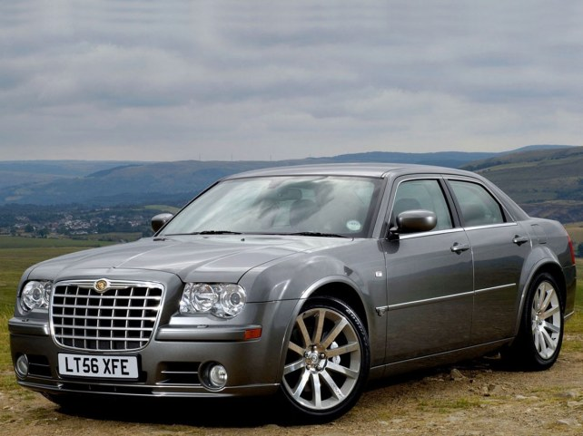 Chrysler 300C SRT8 в Москве