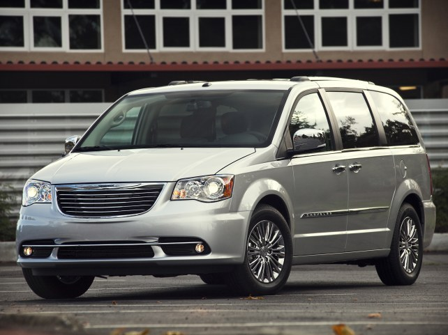 Chrysler Grand Voyager в Москве