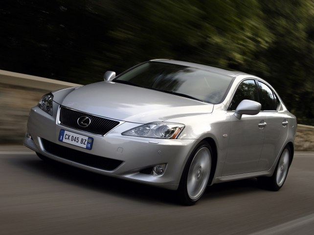 Lexus IS седан в Москве