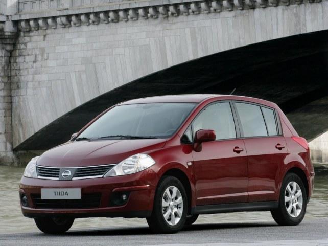 Nissan Tiida хэтчбек в Москве