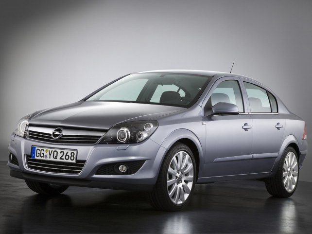Opel Astra седан в Москве