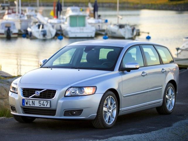 Volvo V50 в Москве