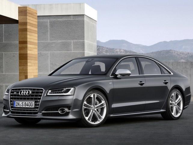 Audi S8 в Москве